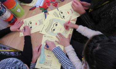 refugee resource family day crafts